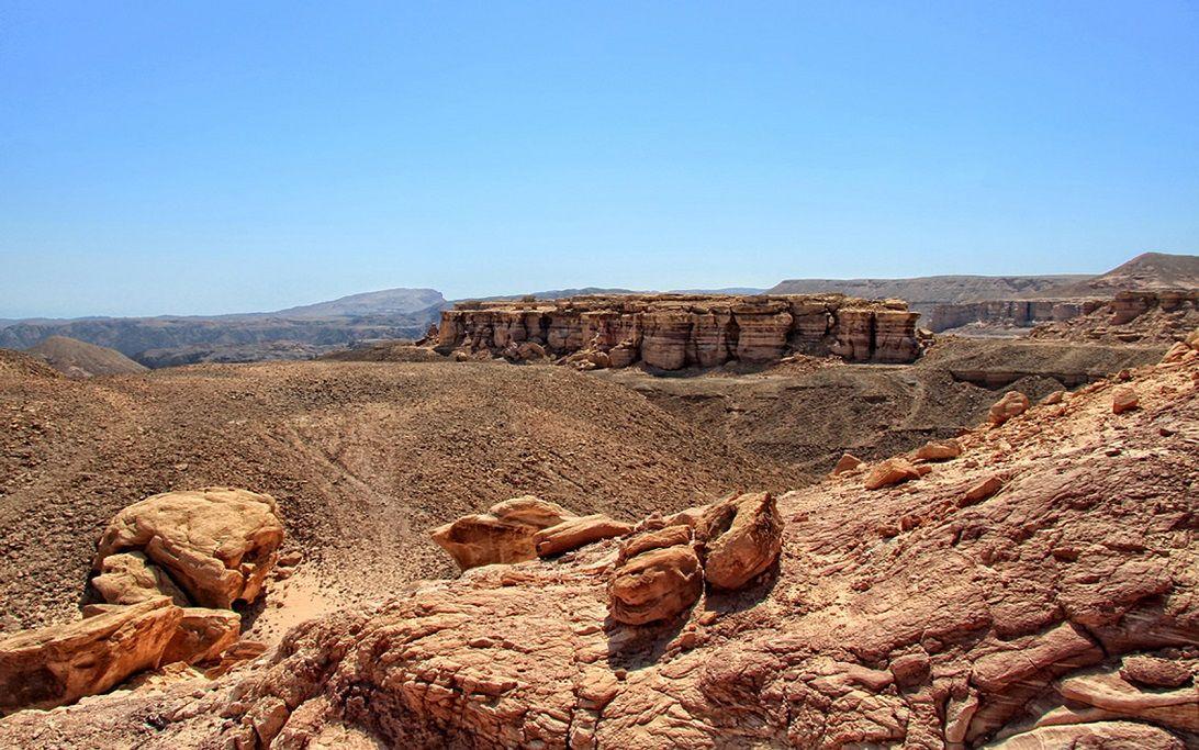 перейти пустелю